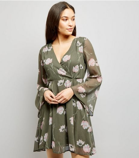 Light Grey Floral Print Chiffon Wrap Front Dress   | New Look