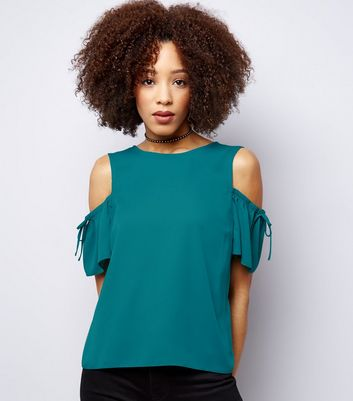 Green Cold Shoulder Gathered Sleeve Top