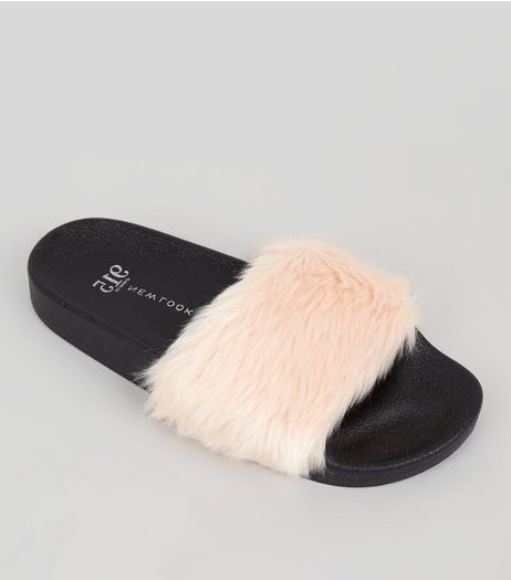 Teens Pink Faux Fur Sliders | New Look