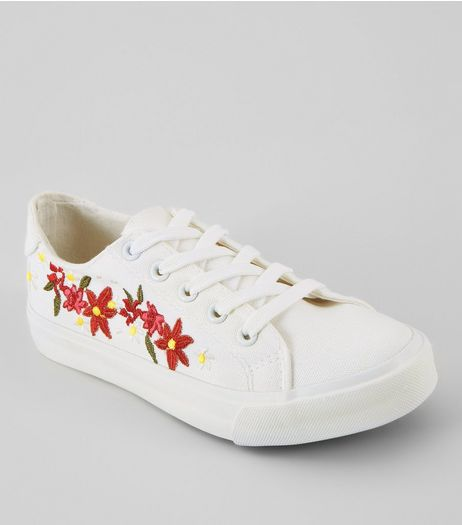 Teens White Floral Embroidered Lace Up Trainers | New Look