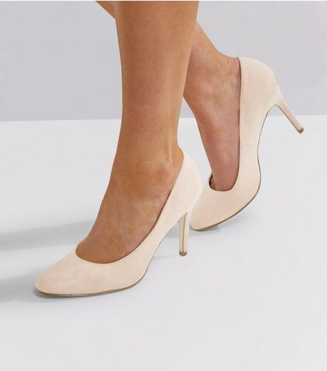Wide Fit Cream Comfort Suedette Court Shoes | New Look