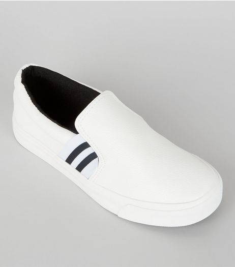 Teens White Contrast Elasticated Stripe Strap Plimsolls | New Look