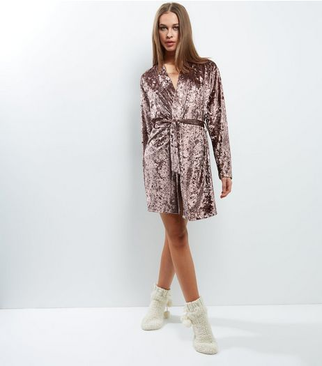 Shell Pink Velvet Dressing Gown | New Look