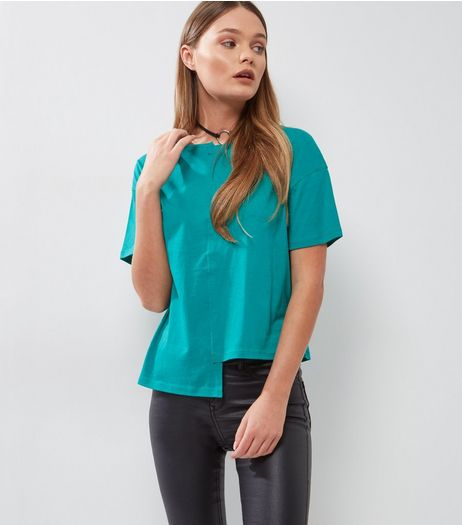 Green Asymmetric Spliced T-Shirt | New Look