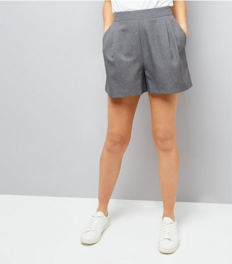 Grey Tailored Pleated Shorts | New Look