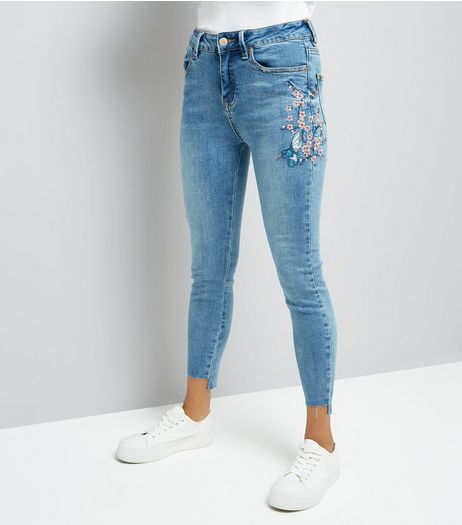 Petite Blue Bird Embroidered Skinny Jeans | New Look