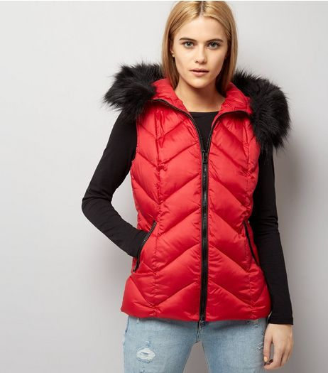 Red Faux Fur Trim Quilted Gilet | New Look