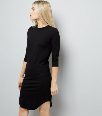 Black 3/4 Sleeve Curved Hem Dress