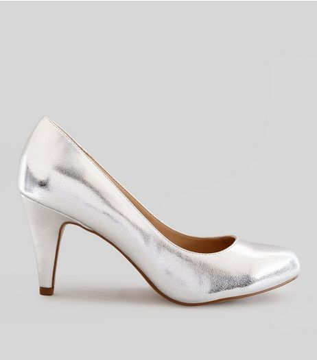 Wide Fit Silver Court Shoes | New Look