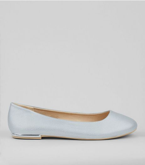Wide Fit Silver Metal Trim Pumps | New Look