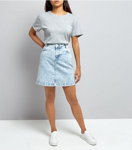 Petite Blue Acid Wash Beaded Denim Mini Skirt | New Look
