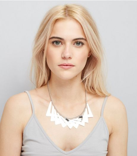 Silver Chunky V Pattern Necklace | New Look