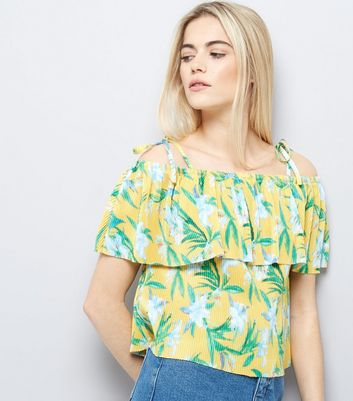 Yellow Tropical Floral Print Pleated Cold Shoulder Top