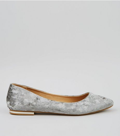 Grey Velvet Metal Trim Pointed Pumps | New Look