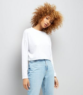 White Raw Hem Long Sleeve Crop Top